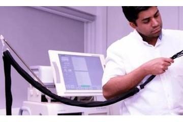 这年头连人用脑机接口信号都能无线传输了瘫痪者可在家轻松上网看视频